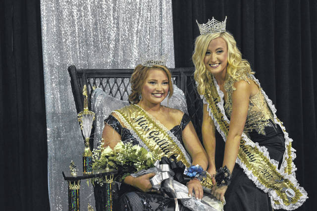 Miss Gallia 2018 Jamie Steger, left, has her photo taken with Miss Gallia 2017 Kaylee Lambert.