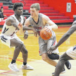 Rio men rally for Bevo title