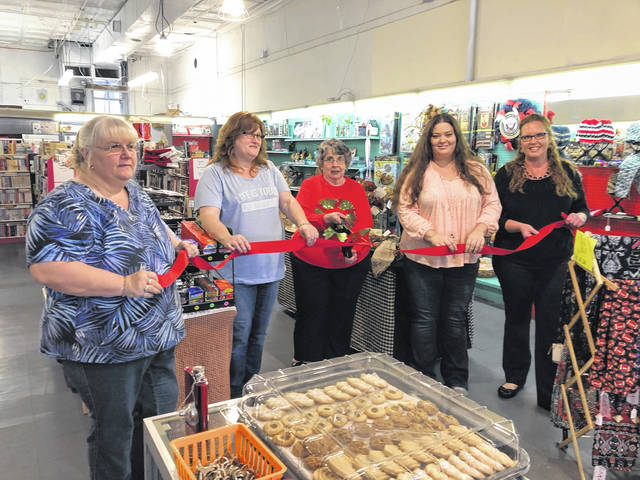 A new business has opened its doors on Main Street in Pomeroy. Riverview Trading Post held its ribbon cutting last week for the store located on East Main Street. The business has a variety of items for those of all ages, including Avon, Bath and Body Works, home decor and craft items, toys, games, baseball cards, and much more. New items arrive weekly.