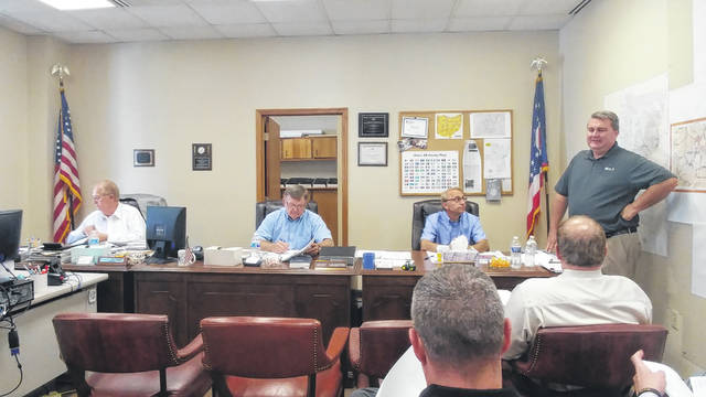 County commissioners discuss jail needs with DLZ representatives Greg Galieti and Eric Ratts.