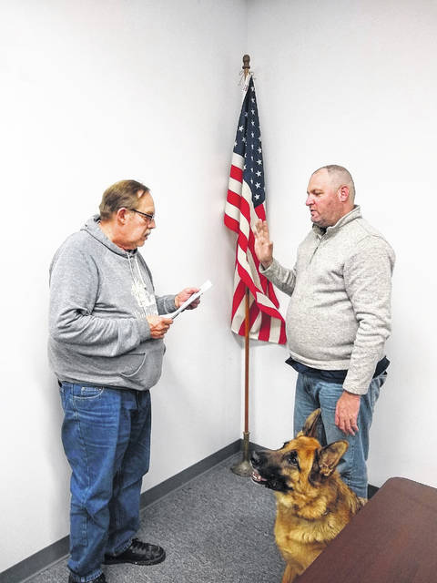 Officer Jeff Morris and K-9 Maximus were sworn in by Mayor Don Anderson.