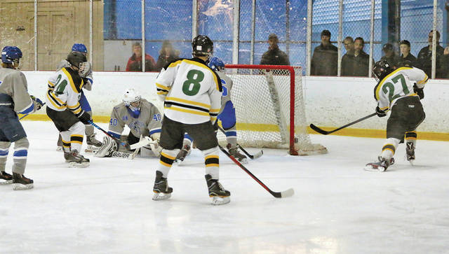 Gilmour fell but Olmsted Falls couldn't be topped as the Amherst Steele hockey team started its winter season.
