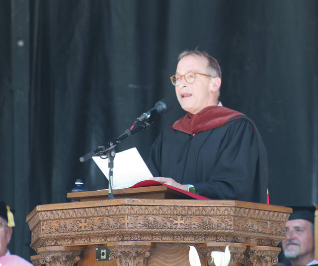 Three-time Grammy Award nominee David Sedaris shares tongue-in-cheek advice with the Oberlin College Class of 2018.