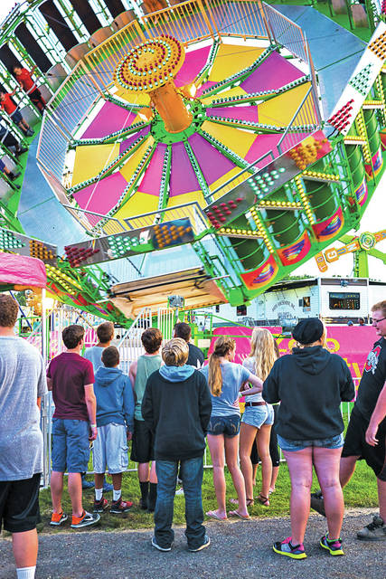 The Midwestern fair fascinates artist Stephen Tomasko, who in the past eight years has visited more than 50, many on an annual basis.