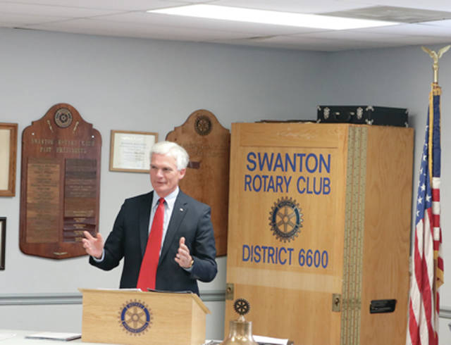 Congressman Bob Latta (R-Bowling Green) speaks to the Swanton Rotary Club on Thursday.
