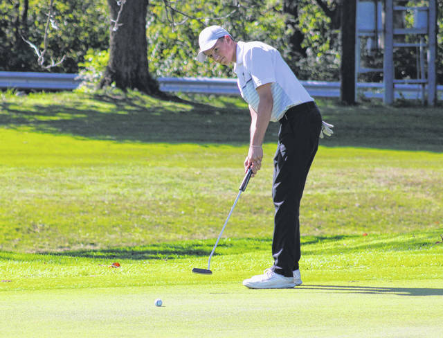 Max Leppelmeier of Pettisville with a putt at a sectional tournament Thursday, Sept. 26. This past Thursday, Leppelmeier and the Blackbirds finished fifth as a team at a Division III district tournament at Stone Ridge Golf Course.
