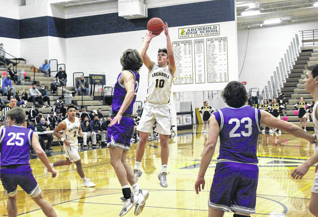 DJ Newman knocks down a midrange jumper for Archbold during Friday's NWOAL battle with Swanton. He finished the game with 20 points as the Blue Streaks thwarted the Bulldogs 60-51.