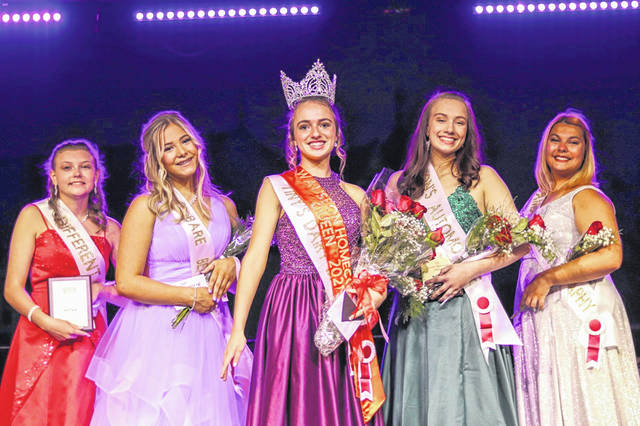 After a year away, the Queens Pageant returned to Wauseon Homecoming. Pictured, from left, are Miss Photogenic Talia Gerlach, first runner up Kallie Waxler, 2021 Queen Ann Spieles, second runner up & Miss Congeniality Drue Roush, Noelle Ringler.