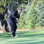 Knouff in 3rd place after shooting 77