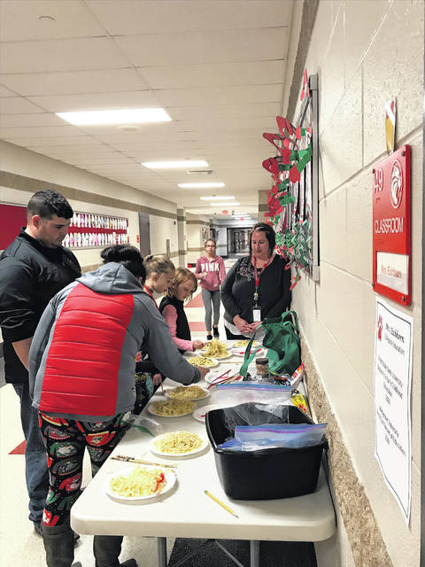 An Earthlab family night was held for students and their parents at Hardin-Houston Elementary School.