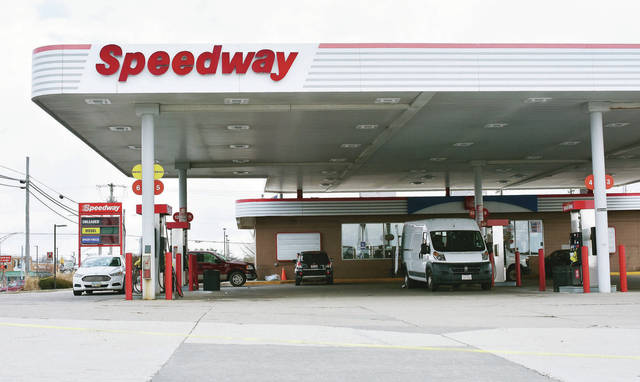 The Speedway located on Michigan Street next to the I-75 exit has closed down for a rebuild according to flyers attached to its pumps. According to a representative from Speedway the gas station will reopen towards the end of summer 2018.