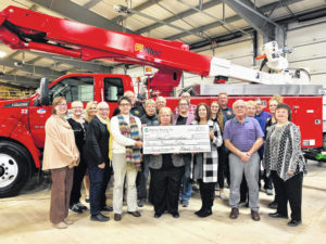 Midwest Electric members donate $14,000 to 13 local agencies