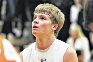Boys basketball: Versailles' Michael Stammen signs with Bluffton