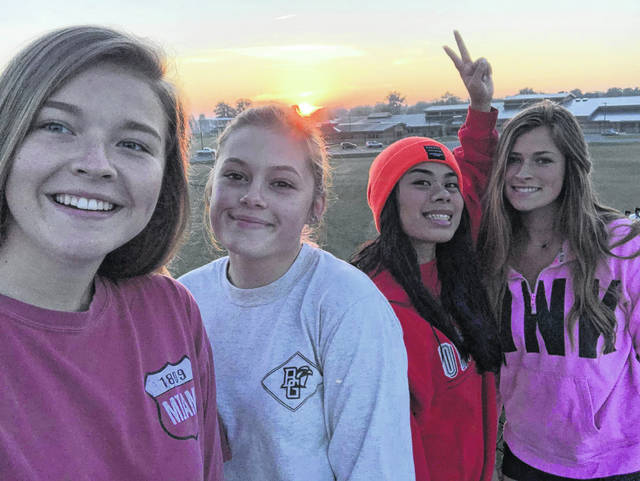 Four friends at the Sidney senior sunrise