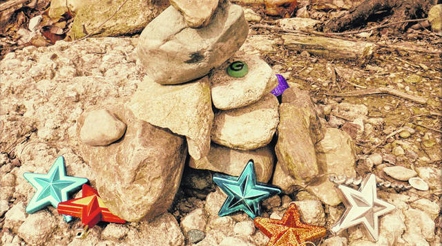 """This display is near the end/turn around point on the Canal Feeder Trail. Someone had left some """"decorations"""" to inspire walkers on their return journey."""