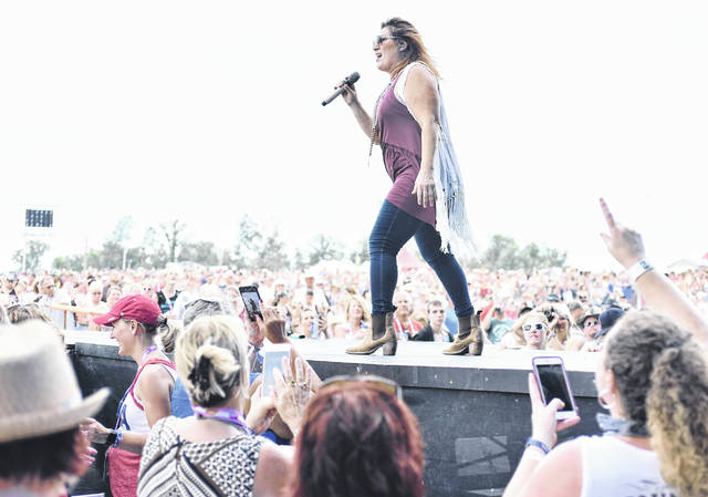 Jo Dee Messina performs at Country Concert 2018.