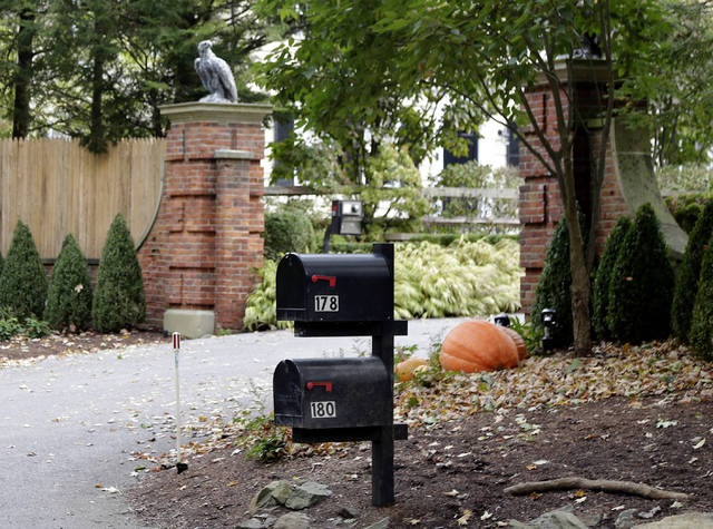"Mailboxes stand outside the entrance to a house owned by philanthropist George Soros in Katonah, N.Y., a suburb of New York City, Tuesday, Oct. 23, 2018. A device found outside the compound ""had the components"" of a bomb, including explosive powder, a law enforcement official said Tuesday. (AP Photo/Seth Wenig)"