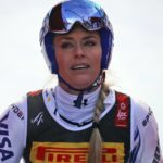 Skiier Vonn crashes
