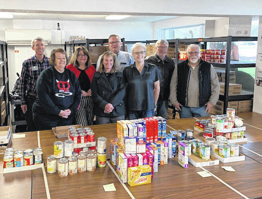 On December 10th the Kiwanis Club of Beavercreek helped pack weekend food boxes at Feed the Creek. Those supporting the mission were: Robert Beuscher, Sandy Zimmerman, Kelly McCormick, Kim Farrell, Scott Hart, Kelly Faas, Bruce Hull, Gene Taylor and John Hatagan. Feed the Creek supplies food compromised area school children with weekend food boxes. The Kiwanis Club of Beavercreek meets on the second and fourth Tuesday of each month, 12:00 PM at Lofino's Plaza. Anyone interested in learning more about Kiwanis should contact Kelly Faas, President at BeavercreekKiwanis1@gmail.com.