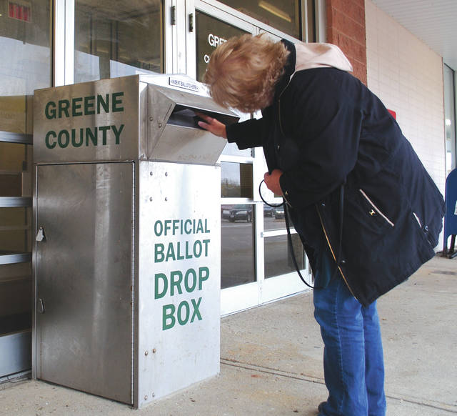 Whitney Vickers | Greene County News Greene County voters are choosing to vote and submit their ballots ahead of Election Day. Poll workers Nov. 2 said individuals had been waiting in line for more than an hour.
