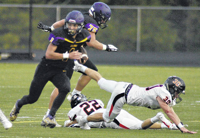 Charles Caperton | Greene County News Bellbrook junior running back Seth Borondy darts up the field during a season-opening win over Waynesville. He is the Southwestern Buckeye League's top rusher and scorer and one of the top all-purpose players.