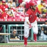 Reds' DeSclafani baffles Piraes, 3-1