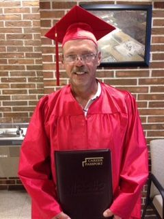 apollo ged graduate encouraging others to step back into classroom