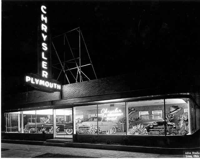 The El-Par showroom gleams under a night sky in 1949.