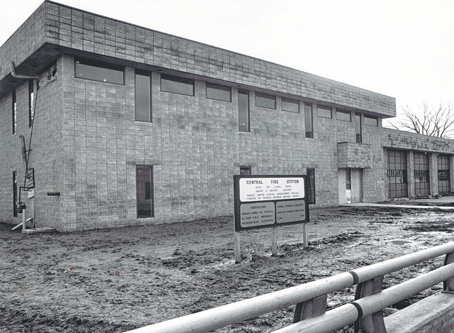 The Central Fire Station was under construction in 1976, with the exterior built, in the location of the former Rowlands Row.