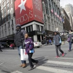 With a clunk, Macy's opens the retail earnings season