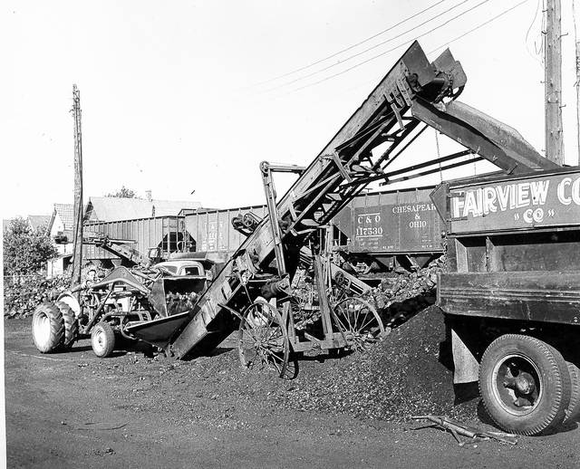 Loading coal at the 162 E. Vine St. location, photographed in 1958.
