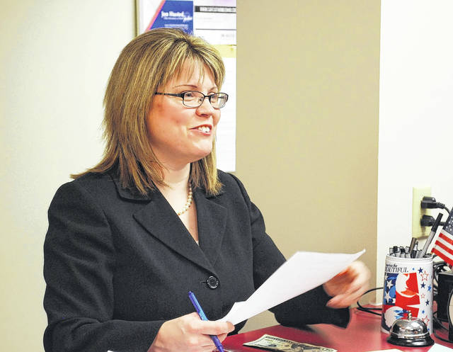 Allen County Assistant Prosecuting Attorney Terri Kohlrieser on Tuesday filed nominating petitions with the county board of elections as a candidate for judge of the Court of Common Pleas. Kohlrieser seeks to take over the seat currently held by Judge David Cheney, who is barred by state law from seeking another term due to age restrictions.