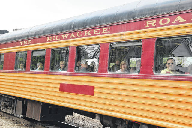 Around 250 passengers traveled from Springfield, Ohio to Lima in vintage railcars to check out the last Lima-built Locomotive at Lincoln Park.
