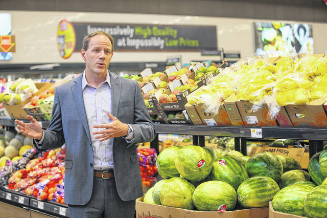 Scott Patton, vice president of corporate buying for Aldi U.S., speaks about increasing produce it its stores at the Aldi Store in St. Charles, Illinois, on Wednesday. Changes include stocking a larger variety and more organic produce.