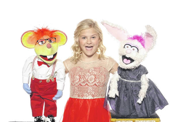 "Darci Lynne Farmer with her ""friends"" Oscar and Petunia."