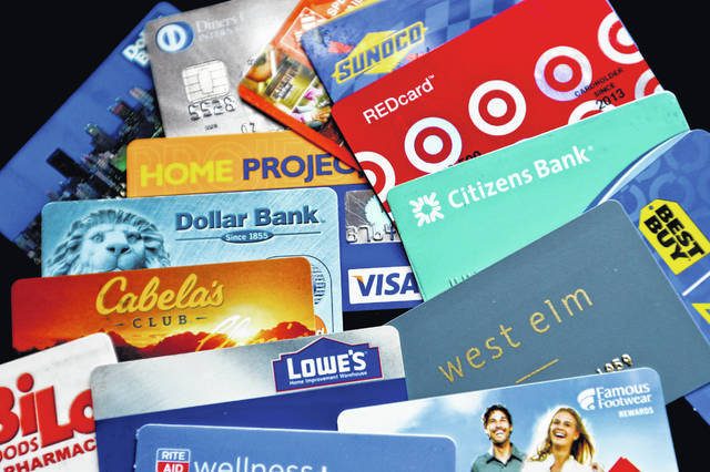 Credit cards that are affiliated with brands are suddenly amping up rewards for everyday purchases at restaurants, gas stations and grocery stores. These rewards cards, co-branded by the issuer and a retail brand, were formerly one-trick ponies that were best for purchases at a single merchant only. But with better rewards, the cards are now becoming more useful for consumers.