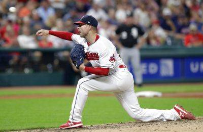 The Indians' Corey Kluber reached a career high 19th victory in a season Tuesday night against the Chicago White Sox,  in Cleveland. (AP photo)