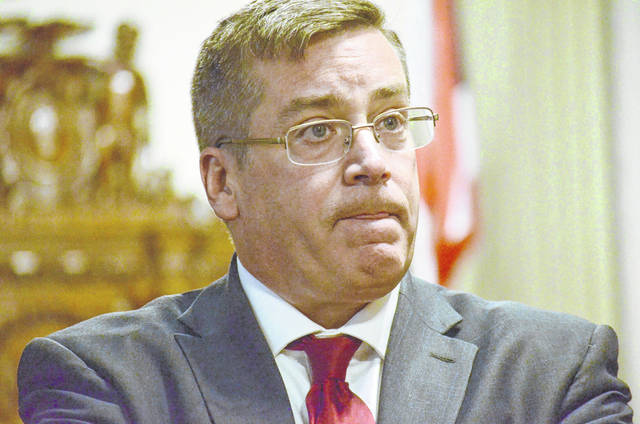 Frank Reed, the Columbus-based attorney representing the Putnam County Commissioners in the Road 5 case, requested to speak with the jury after the Road 5 trial came to an end Thursday with the last remaining family, Marilyn Horstman and the Nienbergs, choosing to settle instead of taking their case before the jury.