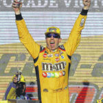 Kyle Busch sets up showdown with Kevin Harvick for the title
