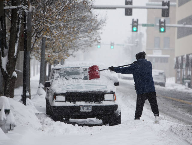 Winter storm knocks out power to more than 200,000 customers