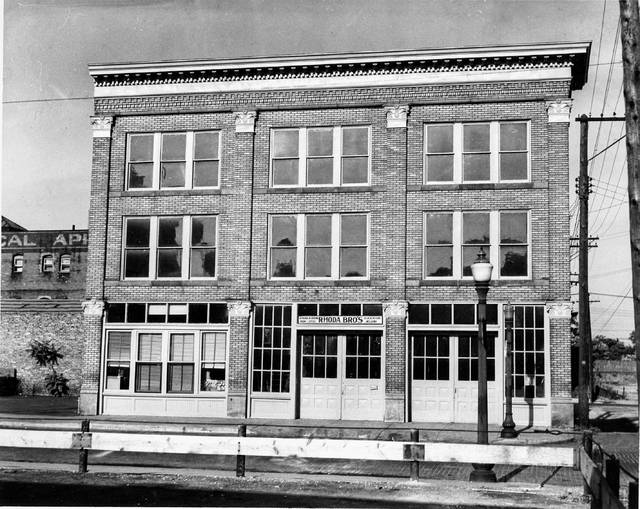 The building that is now home to New Look Fitness was formerly Rhoda Blacksmithing. This photo dates from 1946.