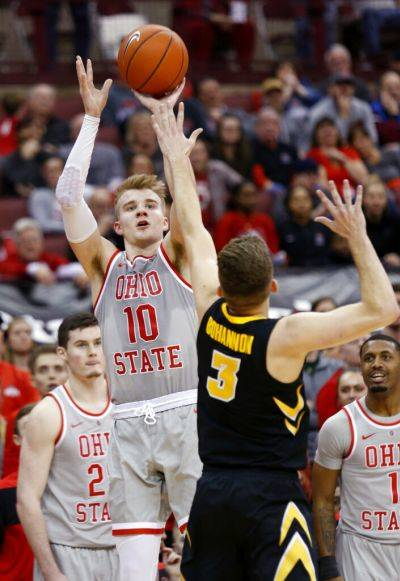 College Basketball Ahrens Scores 29 As Ohio State Defeats
