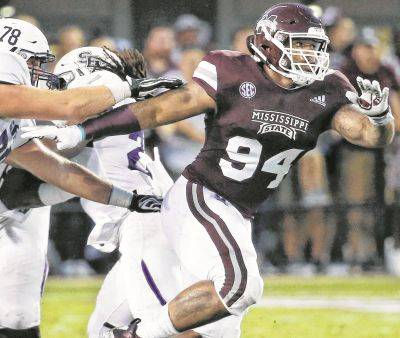 Mississippi State defensive tackle Jeffery Simmons (94) may be available when Cleveland is scheduled to make the 49th overall pick in the NFL draft.