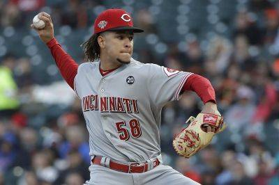 Cincinnati's Luis Castillo had a season-high 11 strikeout in six innings in Friday night's 7-0 victory against the Giants in San Francisco. (AP photo)
