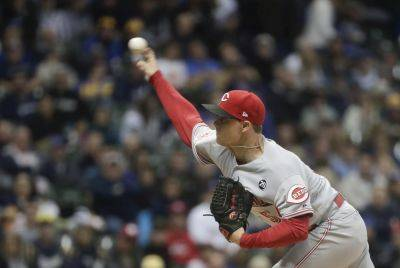 The Reds' Sonny Gray earned his first win of the season Tuesday night as Cincinnati defeated the Brewers 3-0 in Milwaukee. (AP photo)