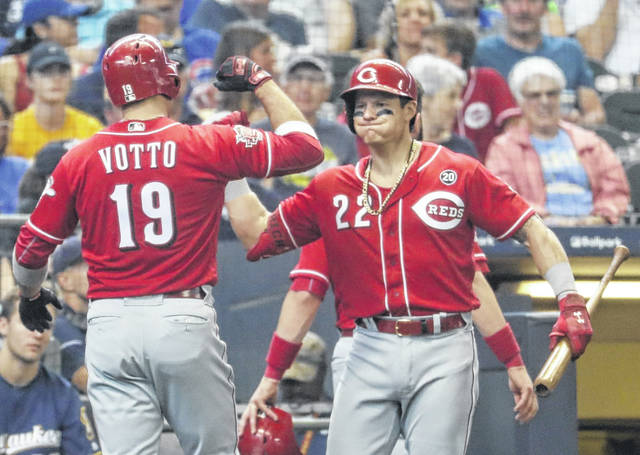 Brewers Edge Out Reds