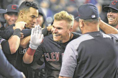 Bauers hits for cycle for Indians in 13-4 win against Tigers