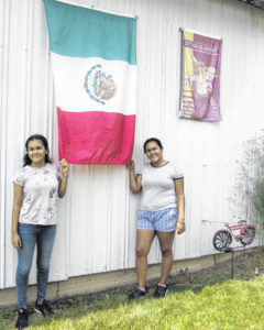 Ottawa couple hosts sisters from Mexico
