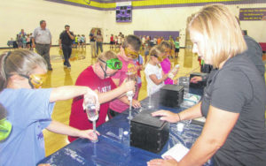 COSI teaches science, chemistry at Glandorf Elementary