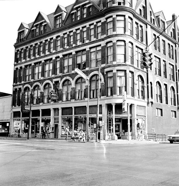 The Metropolitan Block, photographed in 1963.